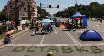 Başkentte büyük kavşaklar abluka altında kalıyor